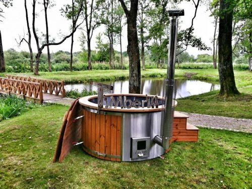 Wellness fiberglasshot tub with complete wood decoration (4)